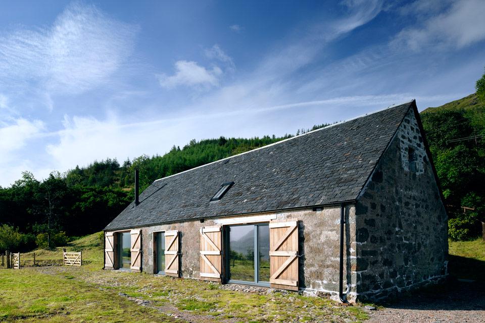 Stara stodoła przerobiona na nową