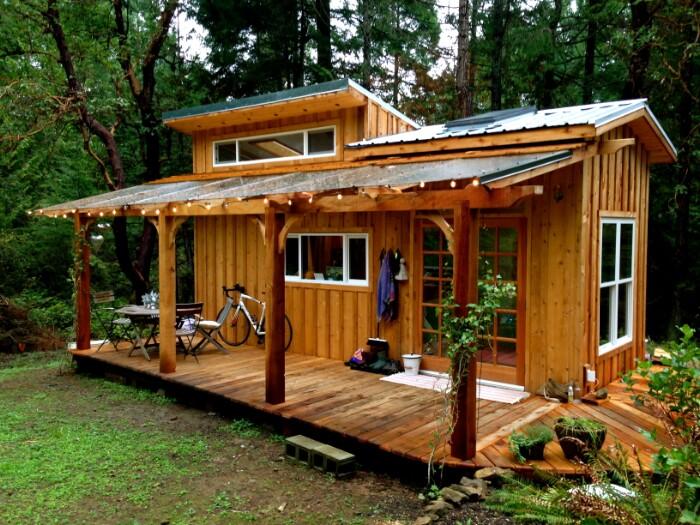 Malutki domek w brytyjskiej Kolumbii, budowa domu
