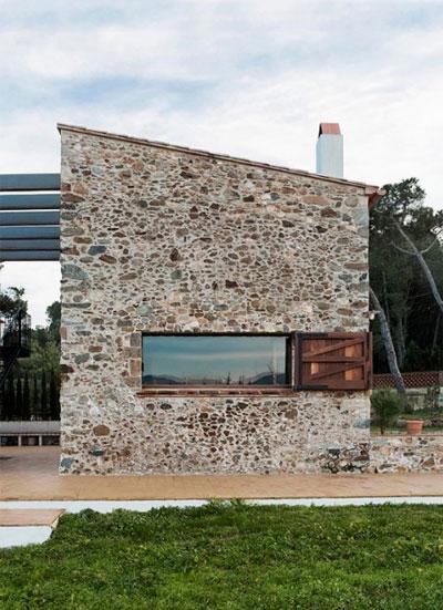 Kamienny dom, budowa domu