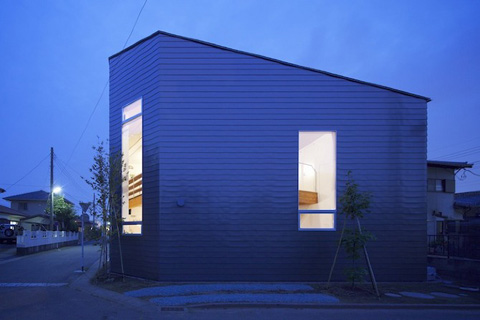 Mały dom, 55m2, Japonia, budowa domu krok po kroku