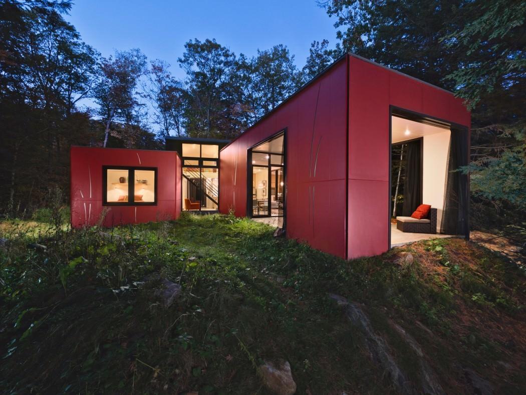 Dom o bardzo prostych kształtach