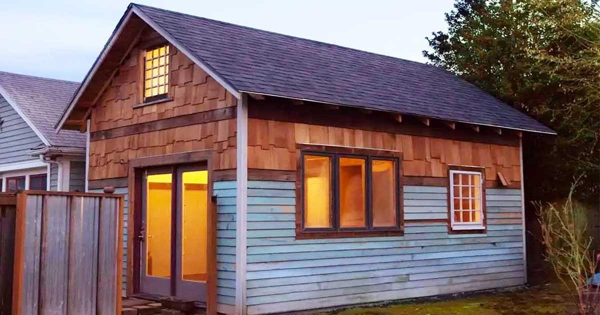 Mały dom z antresolą