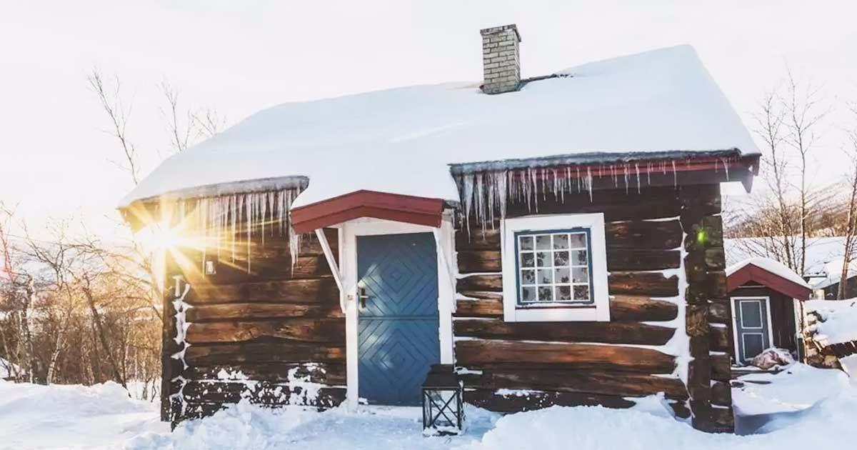 Mały domek, zima