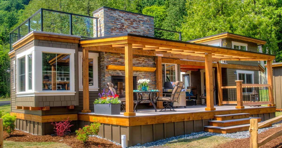Mały dom z nietypowym tarasem