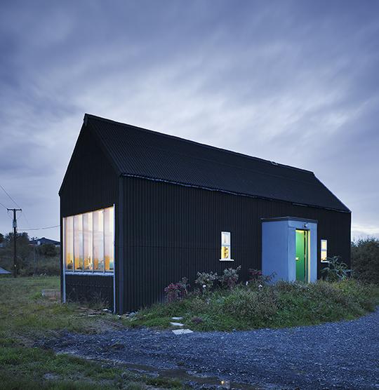 Ciekawy prototyp małego domu