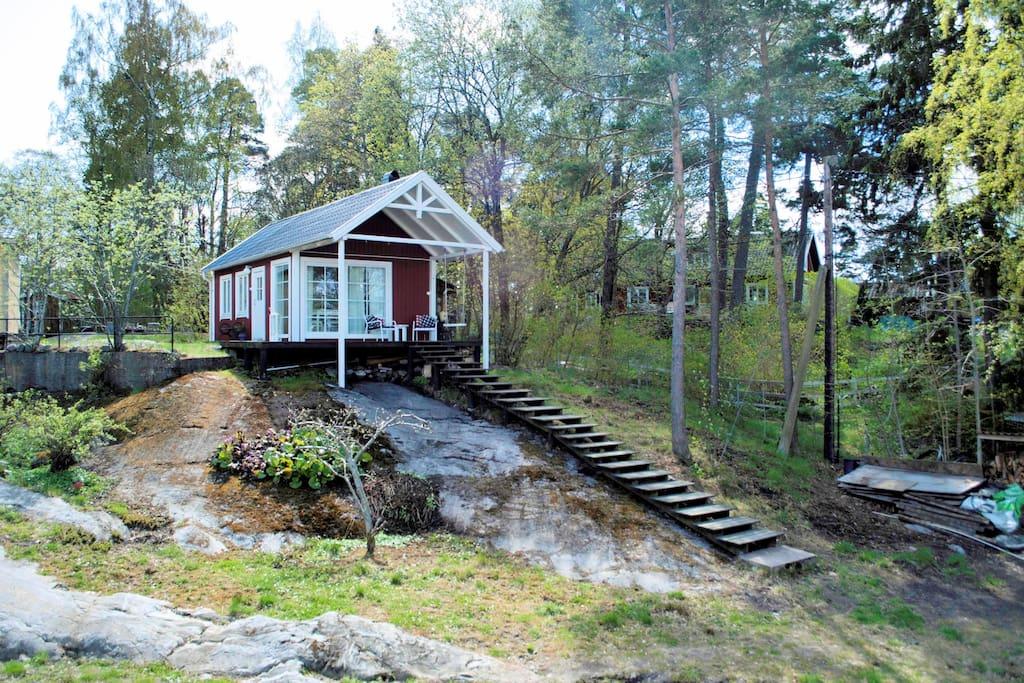 Mały domek bez pozwolenia na budowę do wynajęcia, Szwecja