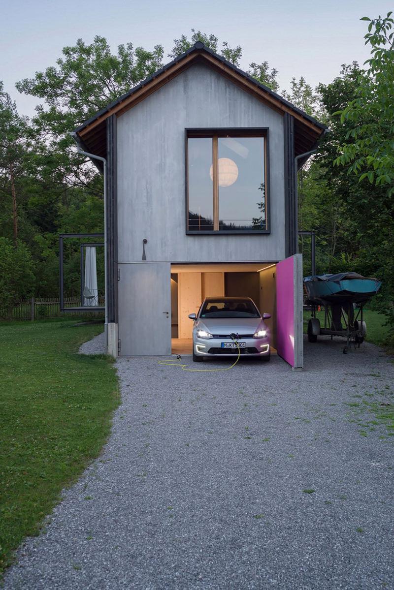 Dom z garażem w bryle budynku