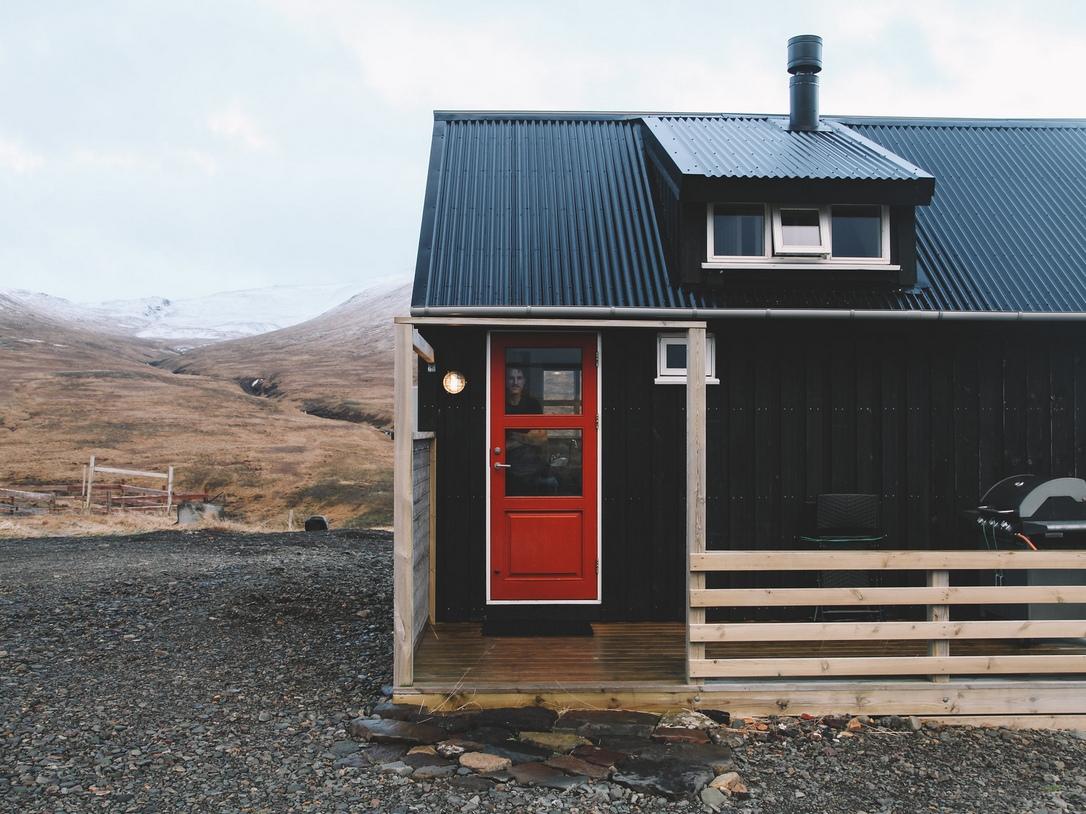 Dom bez pozwolenia na budowę, Islandia