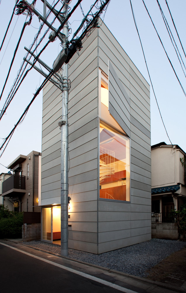 Dom piętrowy na zgłoszenie, Japonia, 3 poziomowy