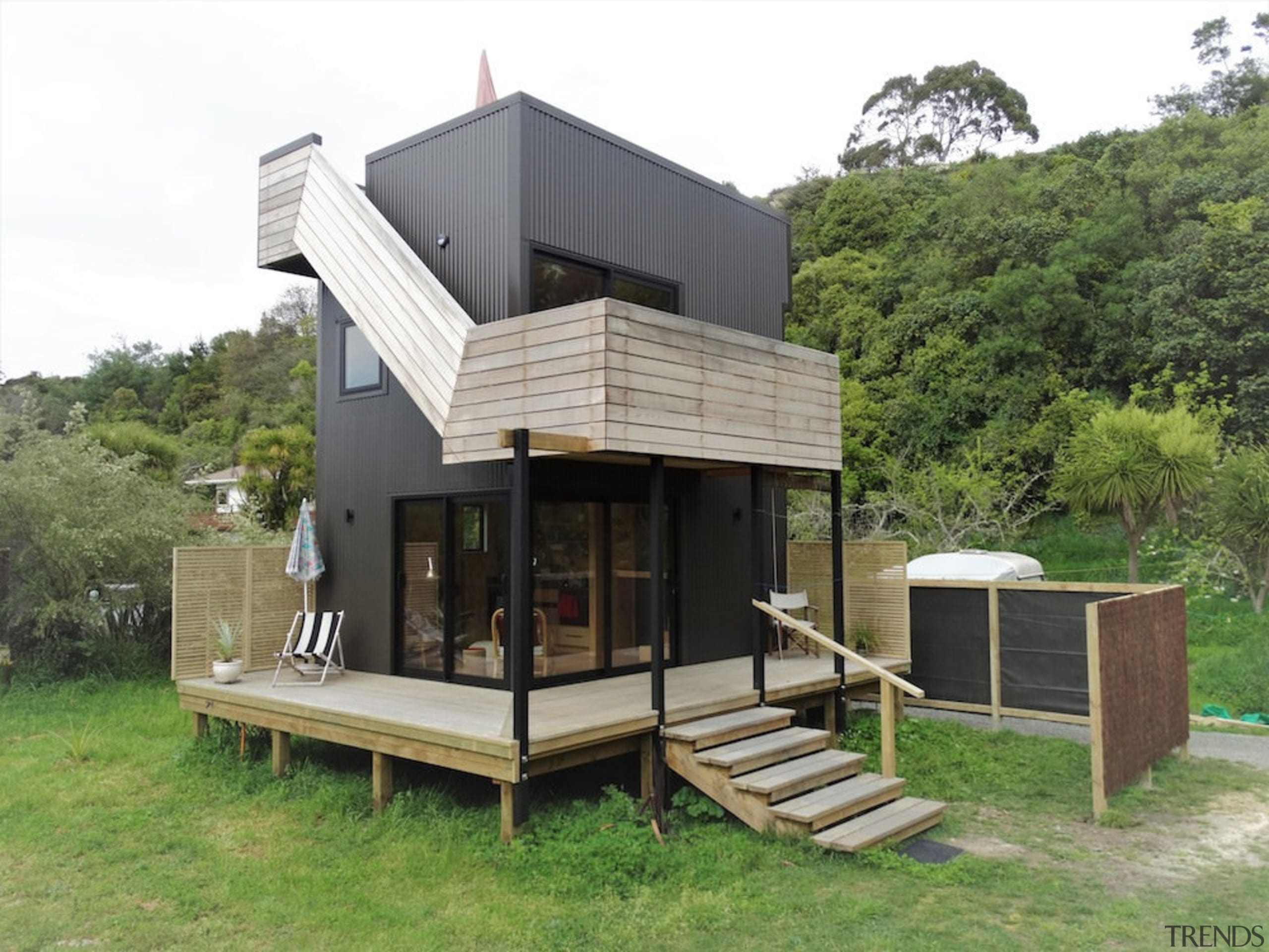 Dom na słupach fundamentowych